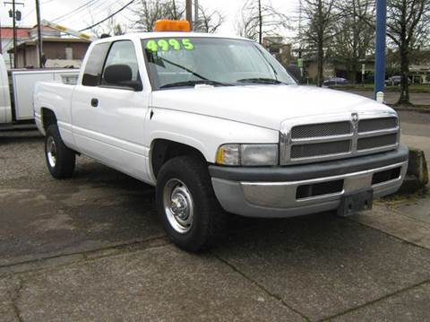 2001 Dodge Ram Pickup 2500 for sale at D & M Auto Sales in Corvallis OR