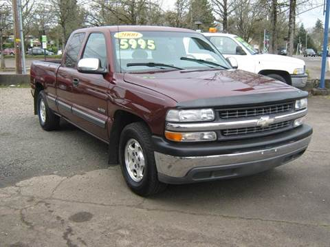 2000 Chevrolet Silverado 1500 for sale at D & M Auto Sales in Corvallis OR
