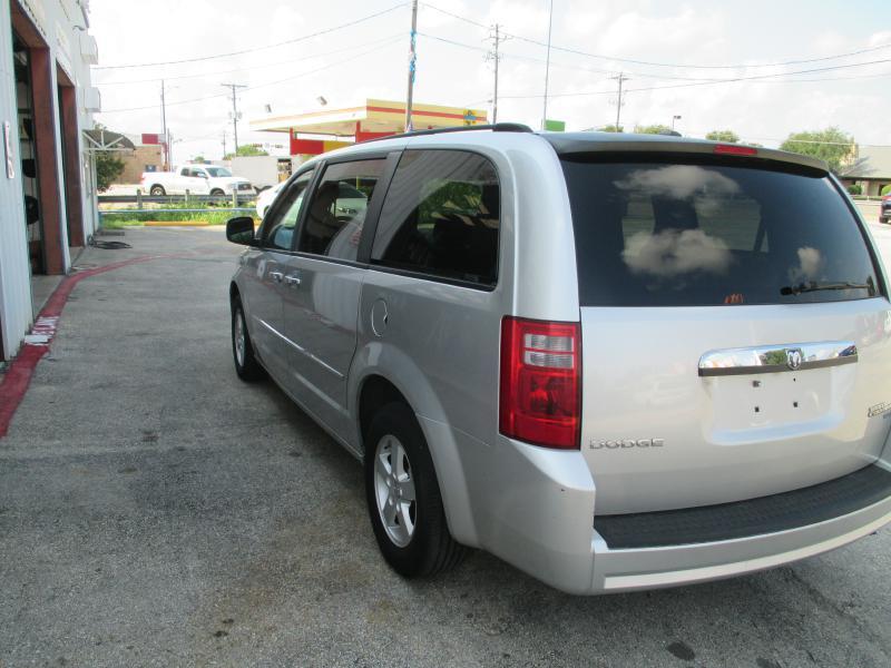 2010 Dodge Grand Caravan SXT 4dr Mini-Van - Cedar Park TX