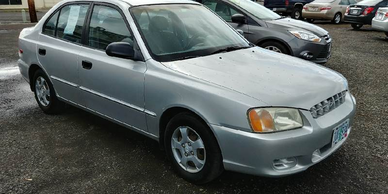 2001 Hyundai Accent for sale at Deanas Auto Biz in Pendleton OR