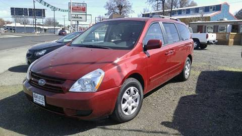2010 Kia Sedona for sale at Deanas Auto Biz in Pendleton OR