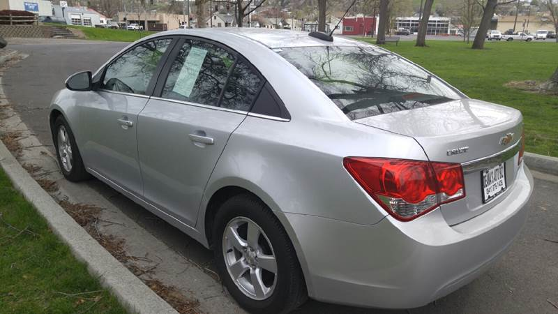 2015 Chevrolet Cruze for sale at Deanas Auto Biz in Pendleton OR
