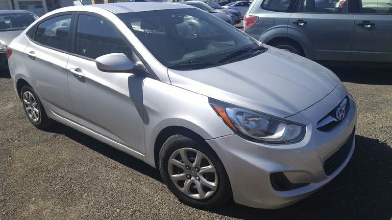 2014 Hyundai Accent for sale at Deanas Auto Biz in Pendleton OR