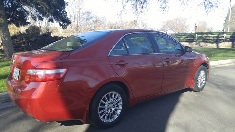 2009 Toyota Camry for sale at Deanas Auto Biz in Pendleton OR