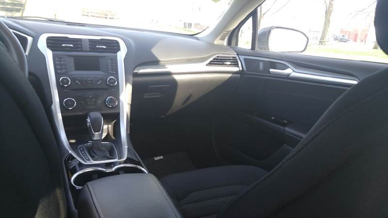 2014 Ford Fiesta for sale at Deanas Auto Biz in Pendleton OR