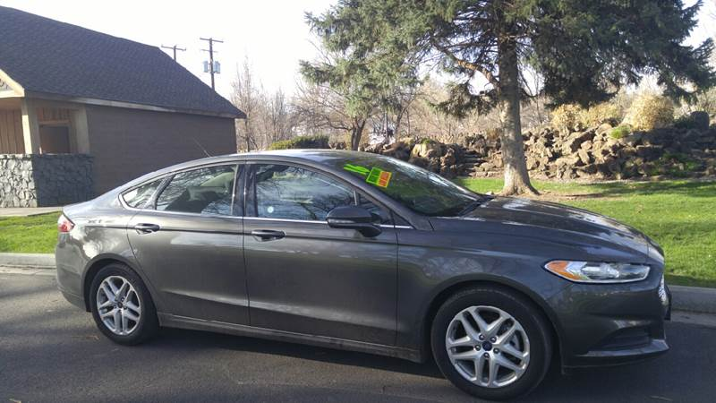 2016 Ford Fusion for sale at Deanas Auto Biz in Pendleton OR