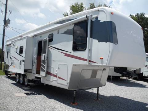 2006 Carriage C Force Toyhauler