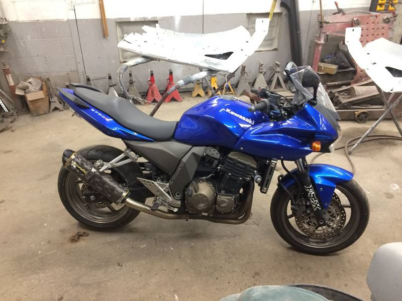 2005 Kawasaki zr750 for sale at SOUTH VALLEY AUTO in Torrington CT