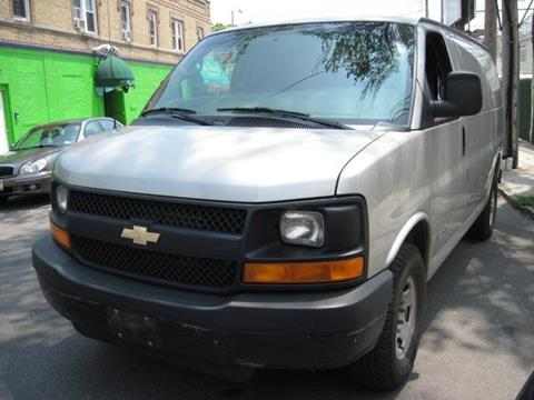 2005 Chevrolet Express Cargo for sale in Richmond Hill, NY