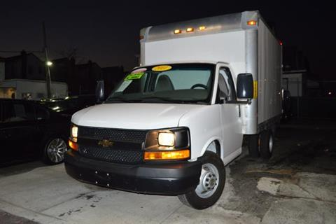 2011 Chevrolet Express Cutaway for sale in Richmond Hill, NY