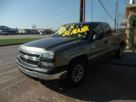 2007 Chevrolet Silverado 1500 Classic for sale at FREDYS CARS FOR LESS in Houston TX