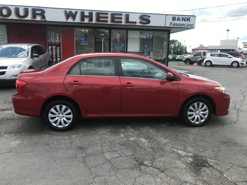 2013 Toyota Corolla LE 4dr Sedan 4A - Youngstown OH