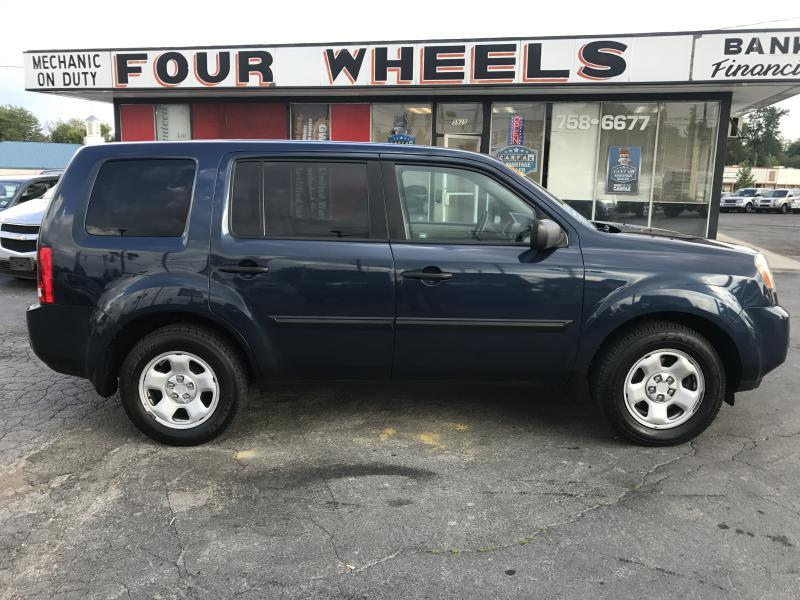 2011 Honda Pilot 4x4 LX 4dr SUV - Youngstown OH
