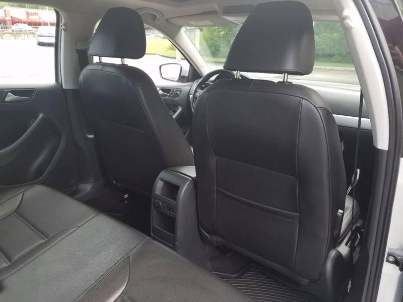 2013 Volkswagen Jetta for sale at LATIN AMERICAN MOTORS in Grayson GA