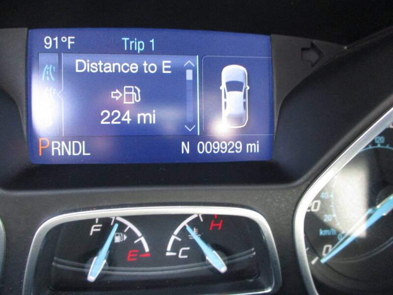 2014 Ford Focus SE 4dr Hatchback - Elgin IL