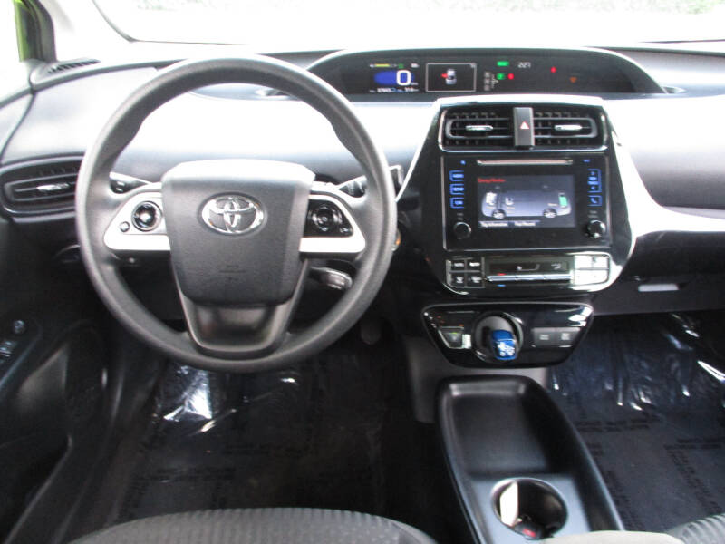 2016 Toyota Prius Two 4dr Hatchback - Elgin IL