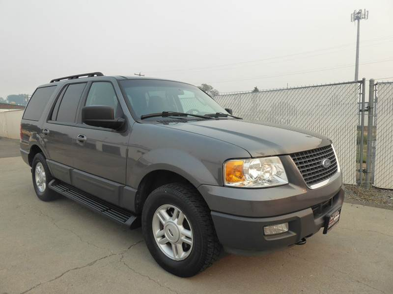 THE AUTO CONNECTION - 2005 expedition