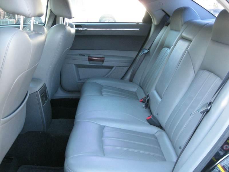2005 Chrysler 300 C 4dr Sedan - Crete IL