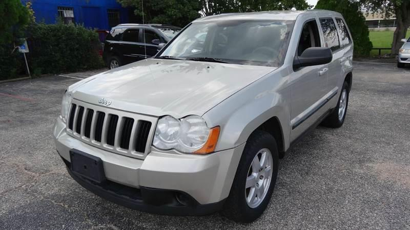 2008 Jeep Grand Cherokee for sale at HOUSTON'S BEST AUTO SALES in Houston TX