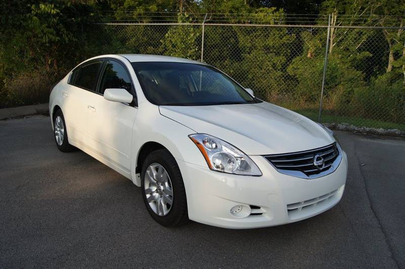 2013 Nissan Altima for sale at HOUSTON'S BEST AUTO SALES in Houston TX