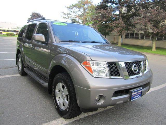 Exceptional 2006 Nissan Pathfinder LE 4dr SUV 4WD   Revere MA