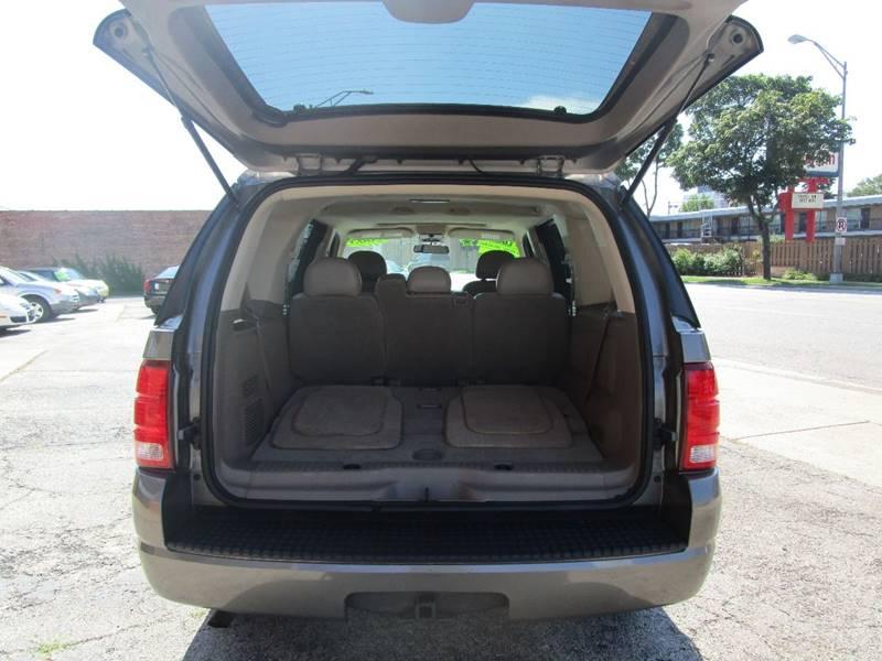 2005 Ford Explorer XLT 4dr 4WD SUV - Melrose Park IL