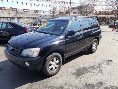 2001 Toyota Highlander for sale at RON'S AUTO SALES INC in Cicero IL