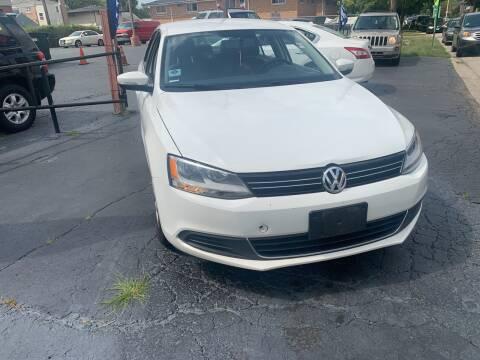 2013 Volkswagen Jetta for sale at RON'S AUTO SALES INC in Cicero IL