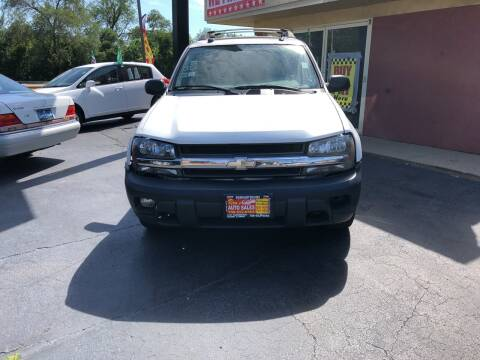 2005 Chevrolet TrailBlazer EXT for sale at RON'S AUTO SALES INC in Cicero IL