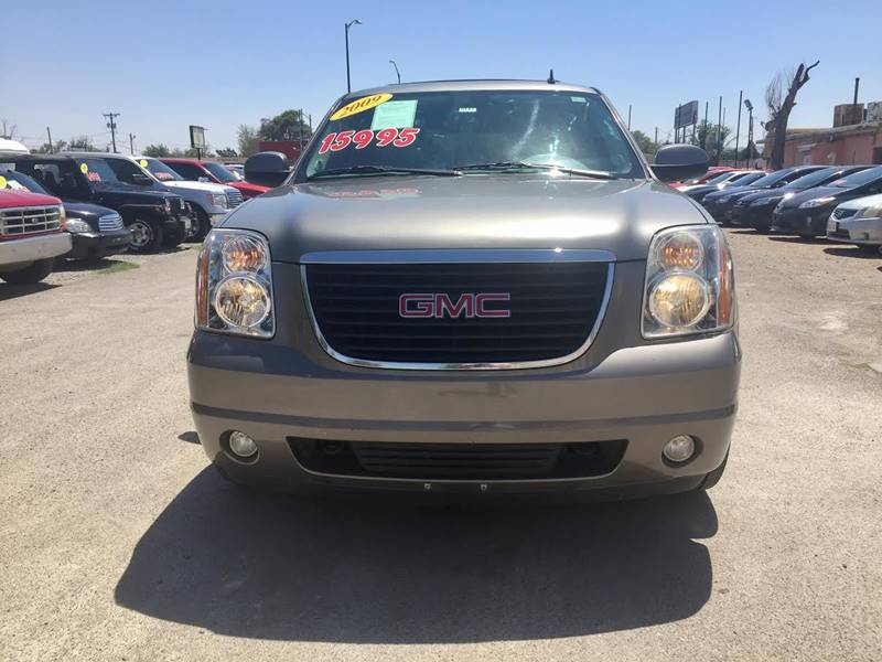 2009 GMC Yukon for sale at CHAVIRA MOTORS in El Paso TX