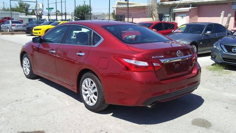 2016 Nissan Altima for sale at CHAVIRA MOTORS in El Paso TX