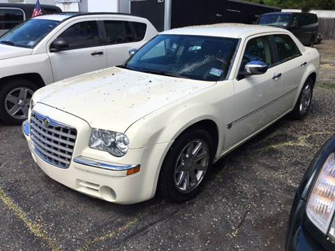 2005 Chrysler 300 for sale at AMERI-CAR & TRUCK SALES INC in Haskell NJ