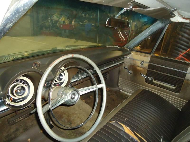 1965 Dodge Polara 30