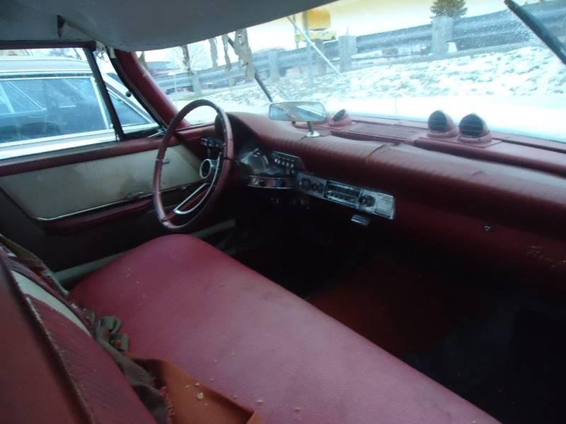 1961 Chrysler Newport 2