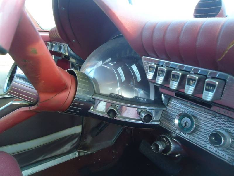 1961 Chrysler Newport 7