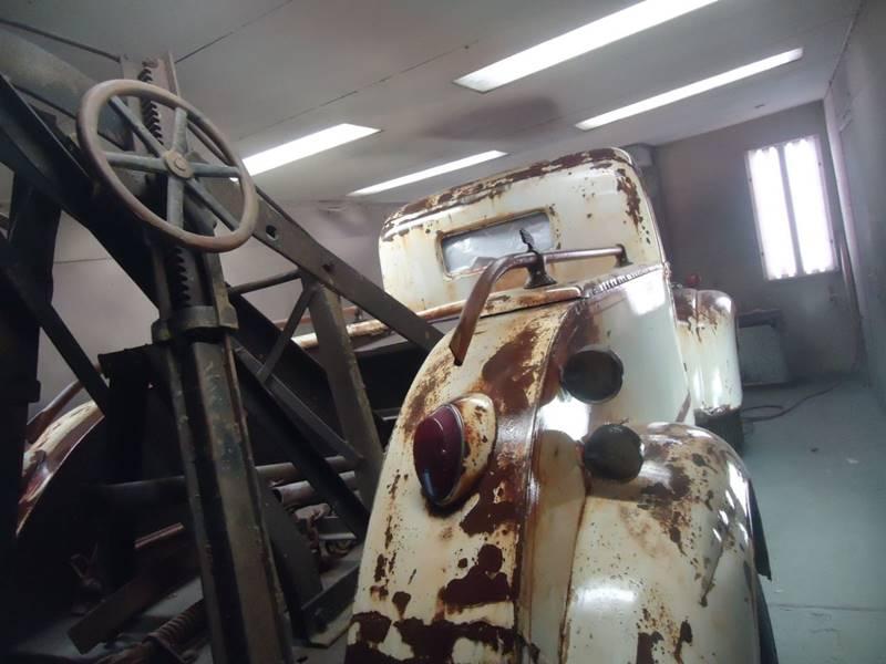 1945 Ford wreaker 2