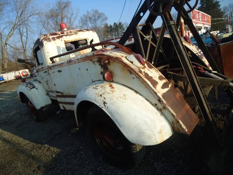 1945 Ford wreaker 16