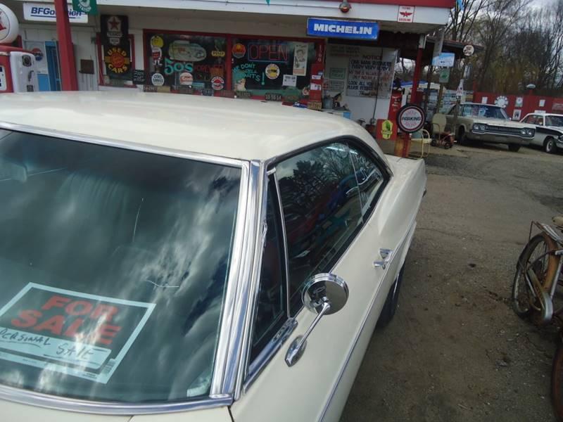 1966 Chevrolet Impala 16