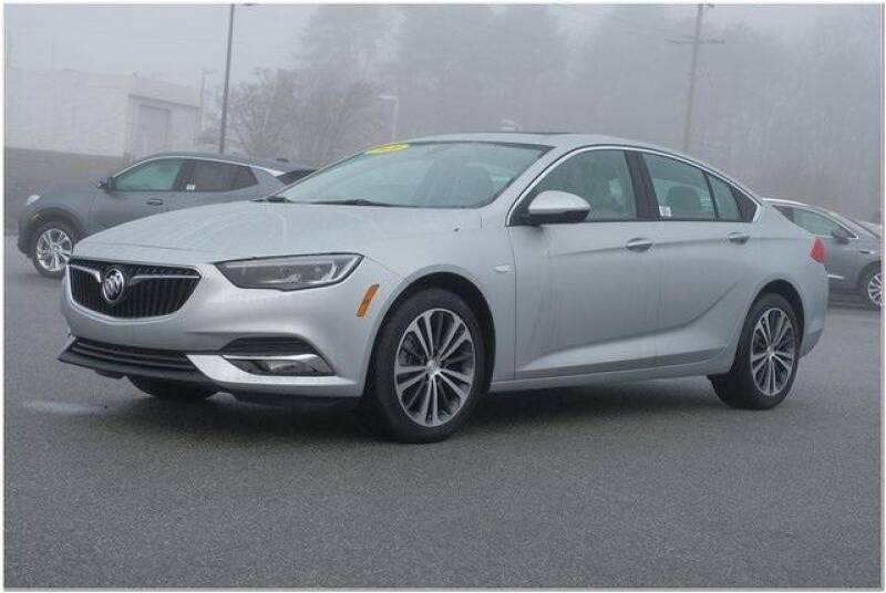 2020 Buick Regal Sportback Essence