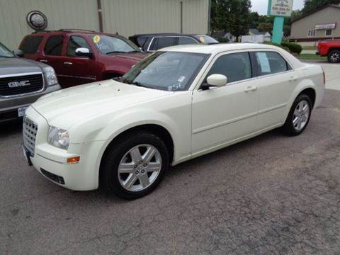 2005 Chrysler 300 for sale at De Anda Auto Sales in Storm Lake IA