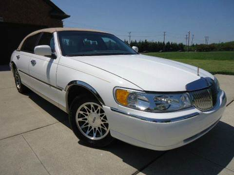 2002 Lincoln Town Car for sale at Auto Experts in Shelby Township MI
