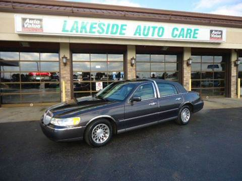 2001 Lincoln Town Car for sale at Auto Experts in Shelby Township MI