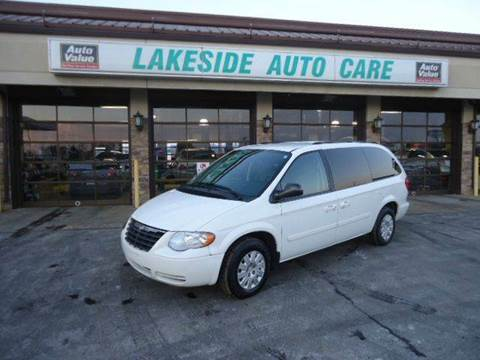 2007 Chrysler Town and Country for sale at Auto Experts in Shelby Township MI