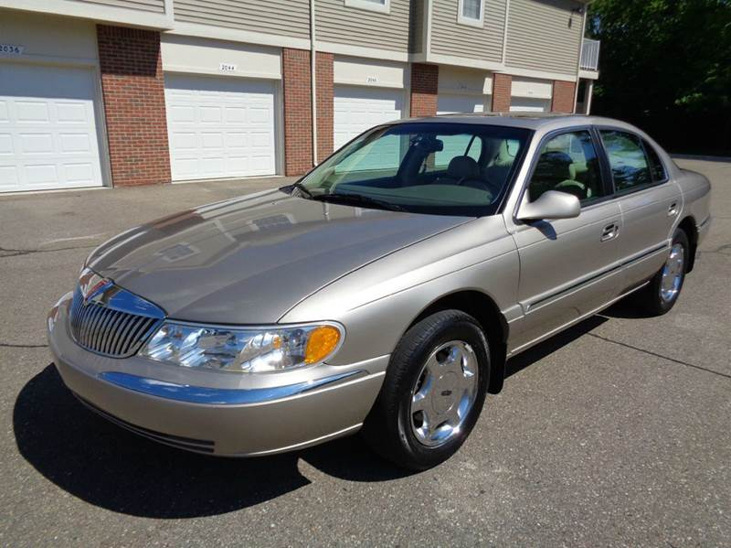 2000 Lincoln Continental for sale at Auto Experts in Shelby Township MI