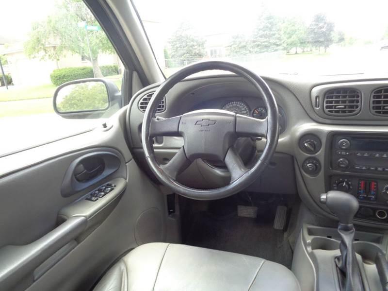 2004 Chevrolet Trailblazer LT 4WD 4dr SUV In Shelby Township