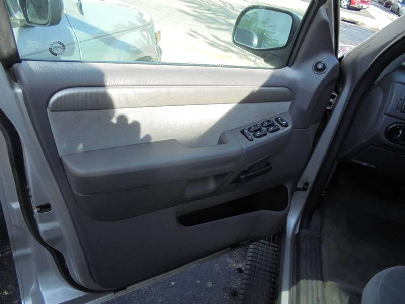 2004 Ford Explorer 4dr XLT 4WD SUV - Burlington WI