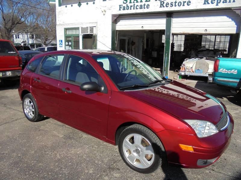 2005 Ford Focus ZX5 SES 4dr Hatchback - Burlington WI
