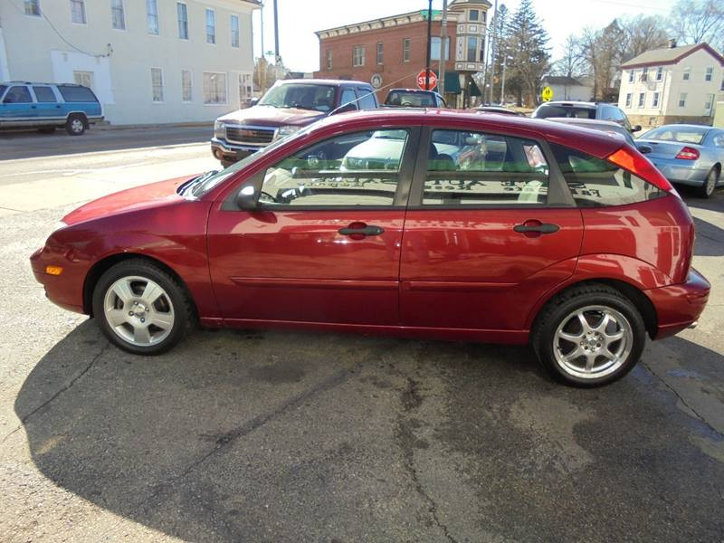 2005 Ford Focus ZX5 SES 4dr Hatchback - Burlington WI