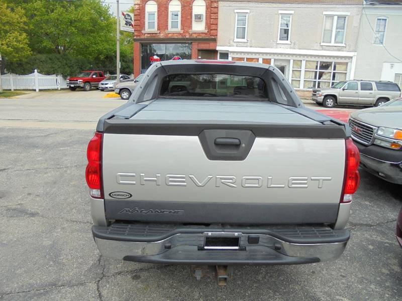 2006 Chevrolet Avalanche LT 1500 4dr Crew Cab 4WD SB - Burlington WI