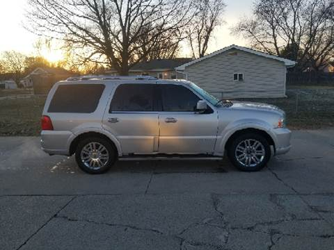 2006 Lincoln Navigator for sale at RIVERSIDE AUTO SALES in Sioux City IA